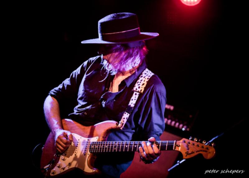 guitar virtuoso GUIDO STOECKER